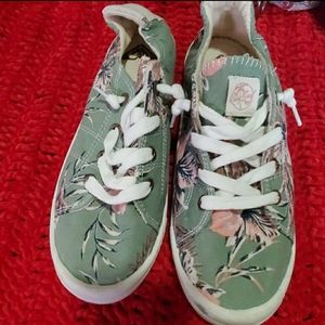 Roxy Surf Shoes Slip-On Sneakers Green Floral 7.5